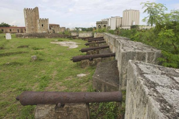 Old cannons of the fort (Dmitry Chulov/ Adobe Stock)