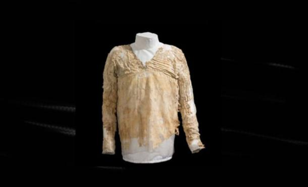 The Oldest Dress and Woven Garment