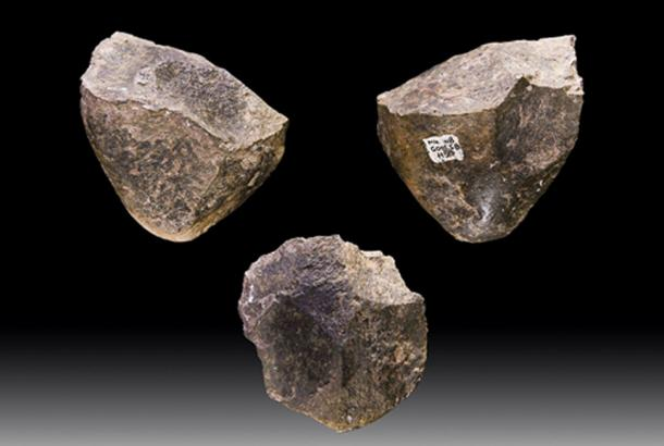 Oldowan choppers, stone tools dating to 1.7 million years BC, from Melka Kunture, Ethiopia. (Archaeodontosaurus / CC BY-SA 4.0)