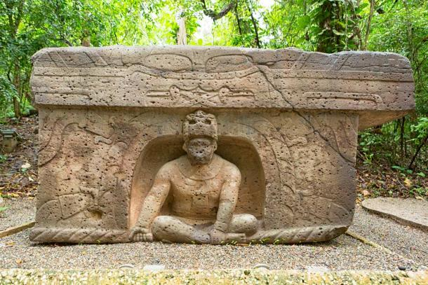 Pre-Hispanic Olmec stone altar in the La Venta archaeological park in Villahermosa, Mexico. (Barna Tanko /Adobe Stock)