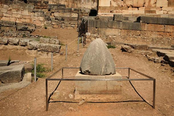 The Omphalos Stone, Delphi