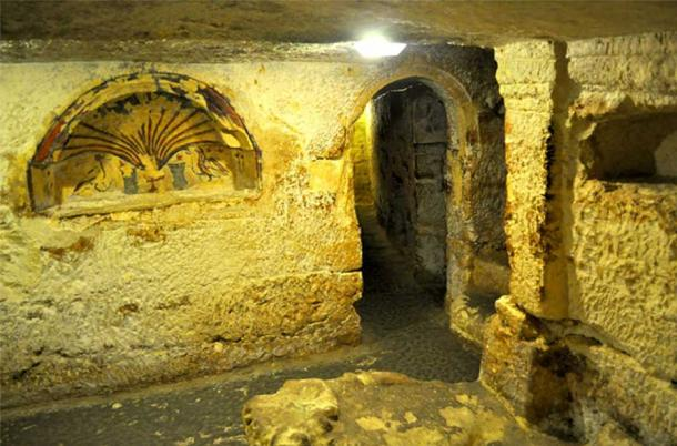 One chamber in the catacombs, seems to be the inner sanctuary chapel or Sancta Sanctorum. (Image: Peter J. Shields)