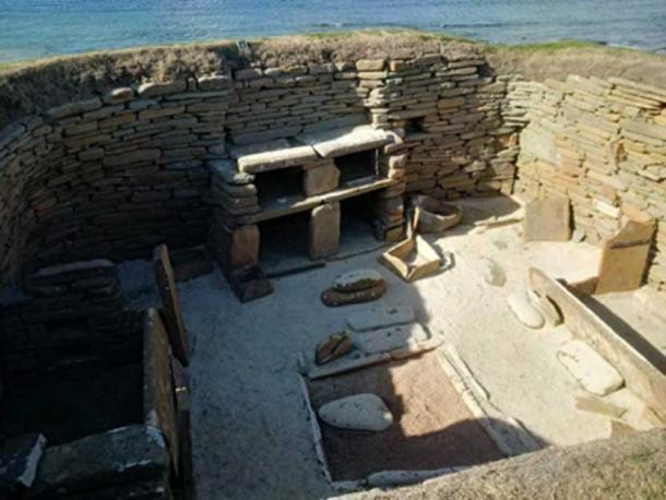 One of the room structures forming part of the Skara Brae Neolithic village (copyright: Andrew Collins).