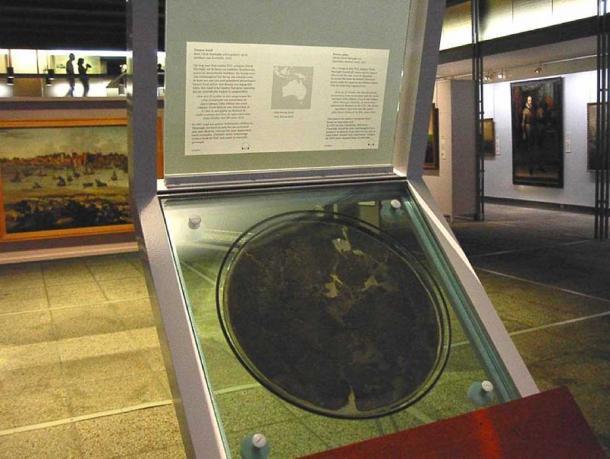 Original Dirk Hartog's plate in the Rijksmuseum, Amsterdam. (Public Domain)