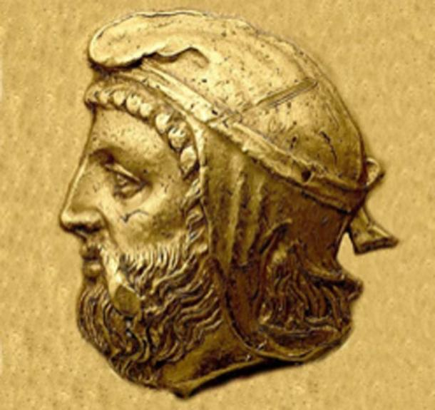 Orontes, wearing the satrapal headdress, from his coinage. One of the satraps who revolted. (पाटलिपुत्र / Public Domain)