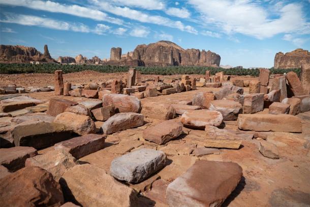 Outcrops at the Lion Tombs of Dadan at ancient oasis of Al-Ula, Saudi Arabia. (hyserb / Adobe stock)