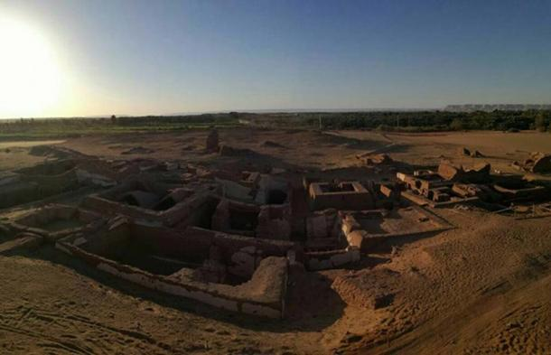 Overview of five Roman tombs found at the Beir Al-Shaghala site in the Dakhla Oasis of Egypt's Western Desert in 2017. (Ministry of Antiquities)