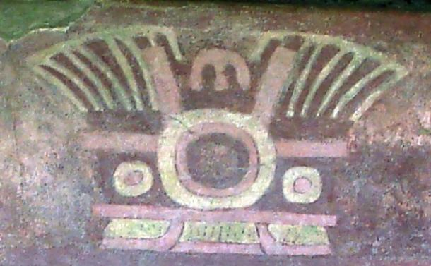 Painted mural at Teotihuacan depicting a headdress with a centrally positioned mirror.