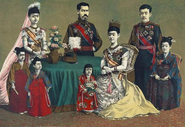 Painting of Emperor Meiji and his family (Kasai, Torajirō /Public domain)