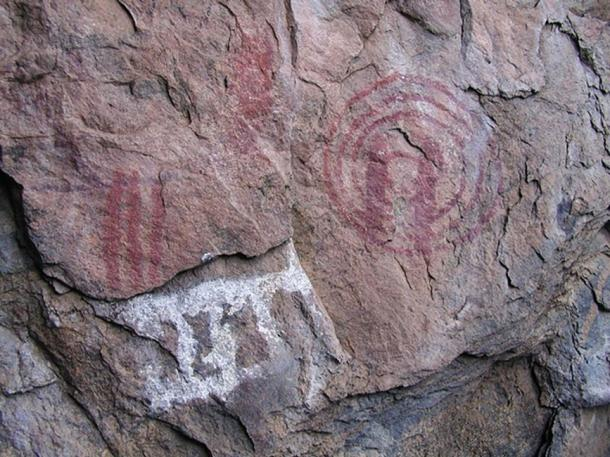Palaeolithic rock art, similar to the figurative cave art in Balkans. (Eric00000007 / CC BY-SA 3.0)