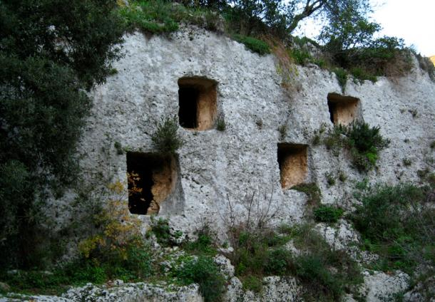Pantalica Tombs - Sicily
