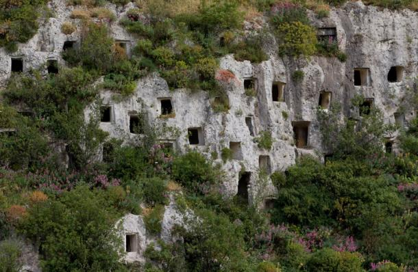 Pantalica Tombs