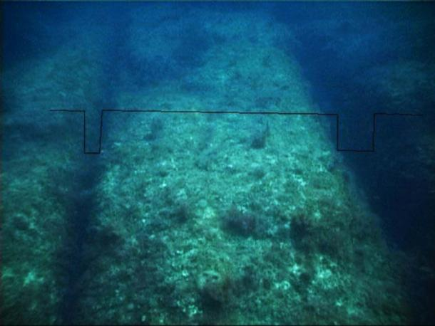 Parallel canals found at St. George's Bay. Credit: Shaun Arrigo