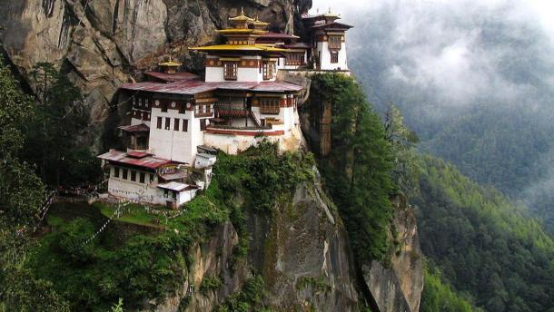 Paro Taktsang: The Breathtaking Himalayan Cloud Monastery