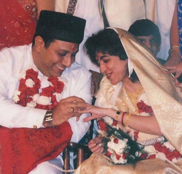 Parsi wedding (exchange of rings).