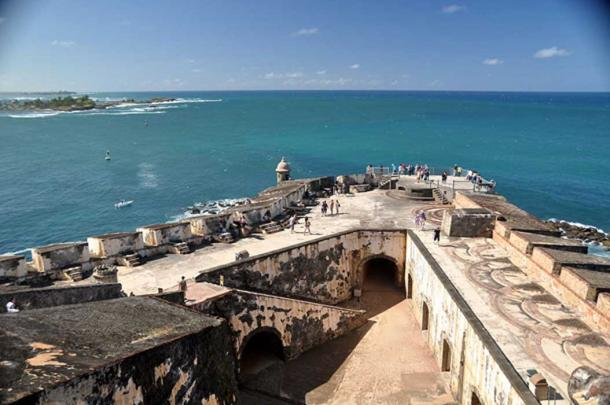 Photo from 5th level of El Morro looking out into the harbor.