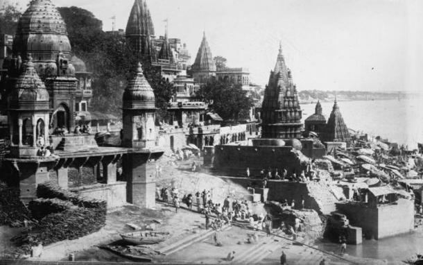 Photo of Manikarnika Ghat, Varanasi, India from 1922.