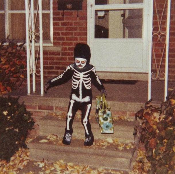Photo of a Halloween trick-or-treater in 1979, Redford, Michigan, United States. (Don Scarborough/CC BY SA 2.5)