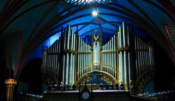 Pipe organ of Notre-Dame Basilica (Lévesque, J / CC BY-SA 3.0)
