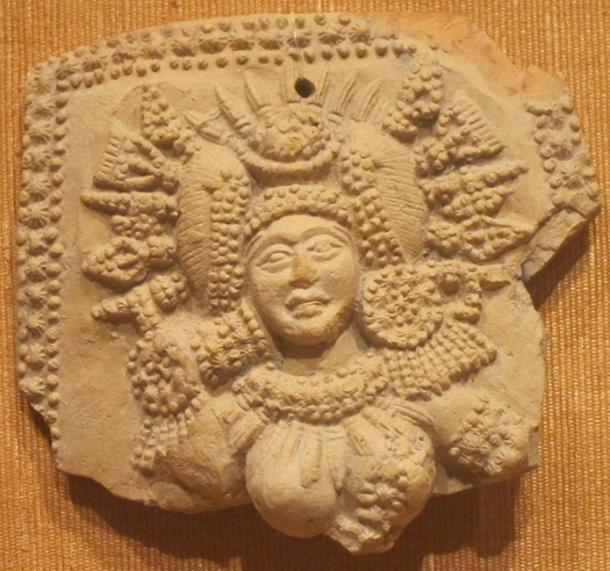 Plaque of a Yakshi, a nature spirit who is benevolent, sometimes mischievous or capricious. 3rd-2nd century BC. (Hiart / CC BY-SA 1.0)