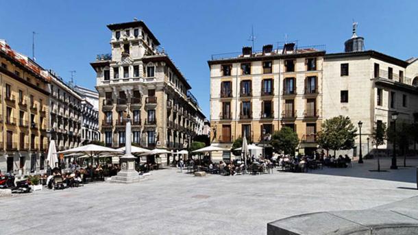 Plaza de Ramales, Madrid, Spain.