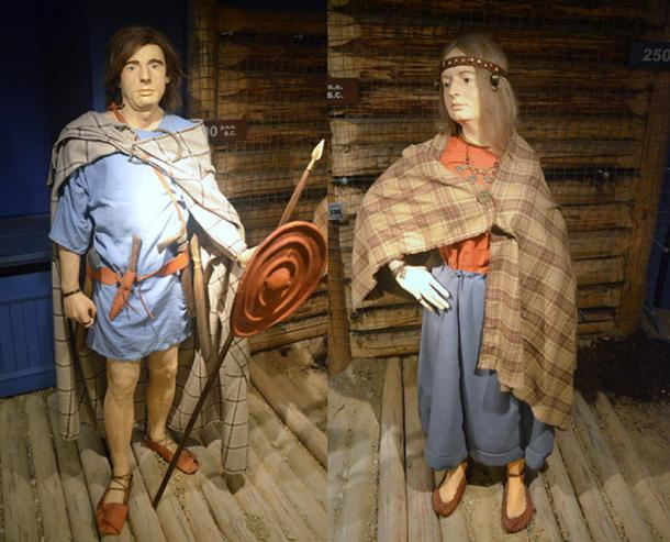 Pomeranian culture costumes exhibited at the Archaeological Museum of Kraków.