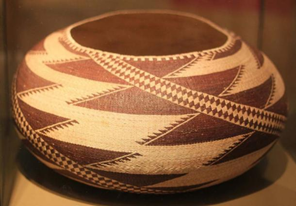 Pomo basket (collected in 1905). (Bin im Garten/CC BY-SA 3.0)