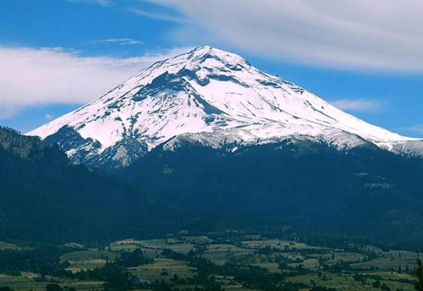 View of the Popocatepetl volcano from Amecameca, Mexico State.