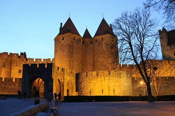 Porte Narbonnaise, Cité of Carcassonne. (Maja / Adobe)