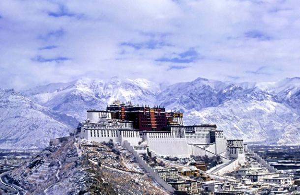 Potala Palace, the Dalai Lama's residence until 1959. Source: BigStockPhoto
