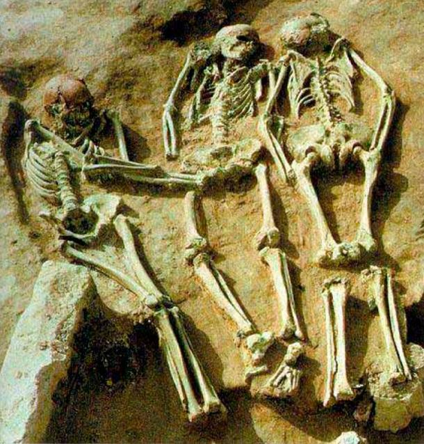 View of the three young men buried together at Prehistoric Triple Burial a Dolni Vestonice