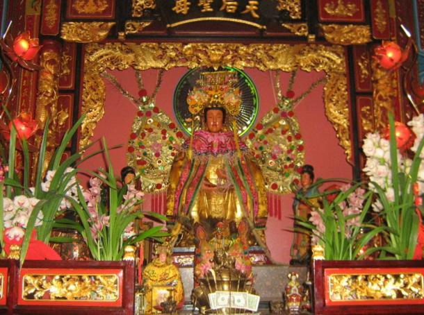Primary Matsu or Mazu statue at Chua Ba Thien Hau (Camau Association of America), Los Angeles, 2006.