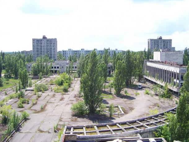 Pripyat town square. Abandoned ghost town in northern Ukraine. (CC BY-NC-SA 2.0)