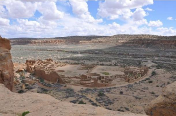 Photo of Pueblo Bonito taken from the northern rim of Chaco Canyon, New Mexico, U.S.A.