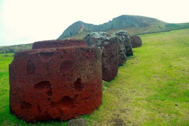 Pukao stones are the 'hats' of the moai. (Image: Carl Lipo)
