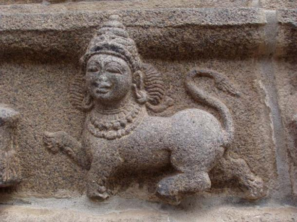 Purushamriga or Indian sphinx depicted on the Varadaraja Perumal temple in Tribhuvanai, India. (CC BY-SA 3.0)