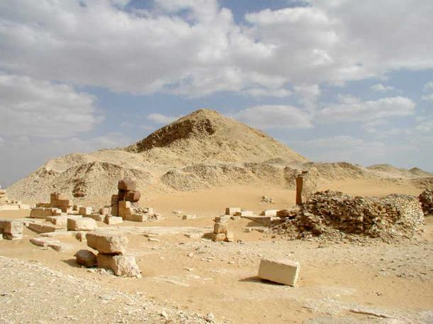 Pyramid of Pepi II with smaller pyramids for the queens Neith, Iput II, and Udjebten.