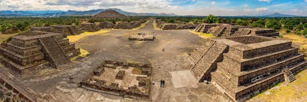 Pyramid of the Sun and the Avenue of the Dead at Teotihuacan. (Byelikova Oksana /Adobe Stock)