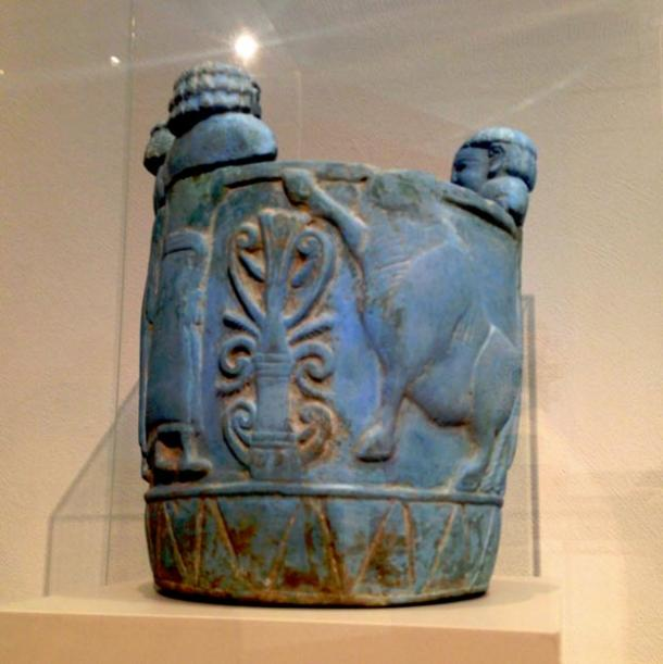 Pyxis made out of Egyptian blue from 750-700 BC. Shown at Altes Museum in Berlin.