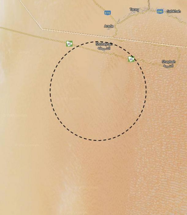 Close up of the general area where O'Shea claimed to have found Qidan. The crescent to the NE is the Liwa Oasis, and the white line is the UAE-Saudi border.