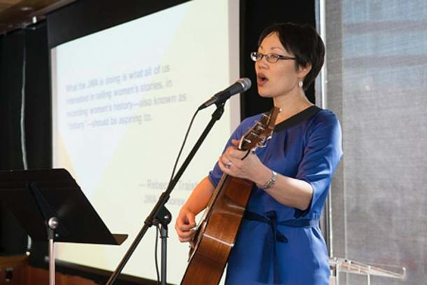 Rabbi Angela Warnick Buchdahl, first Asian-American Senior Rabbi. (CC BY-SA 2.0)