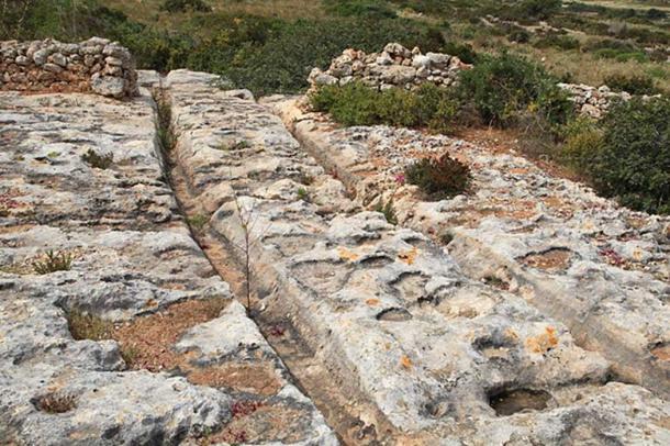 Raddet ir-Roti Cart Ruts, Xemxija Heritage Trail in St. Paul's Bay, Malta. (Frank Vincentz/CC BY SA 3.0)