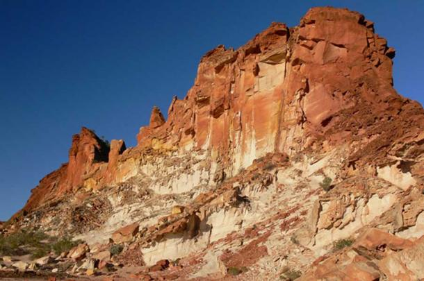 Rainbow Valley sandstone bluffs and cliffs - Northern Territory, Australian Outback.