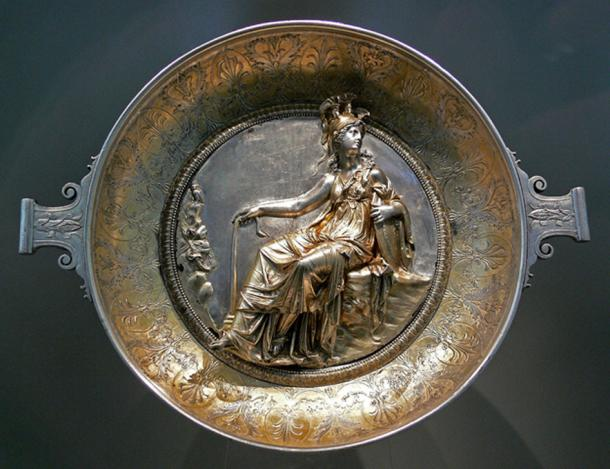 Raised-relief image of Minerva on a Roman gilt silver bowl, first century BC showing Minerva in-tack. (Andreas Praefcke / Public Domain)