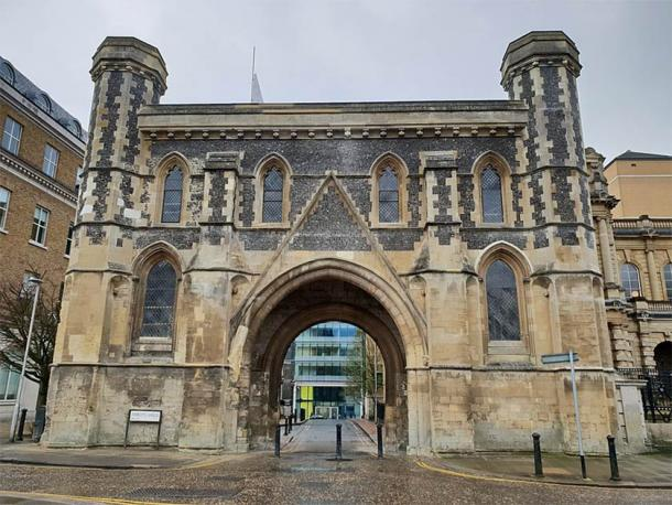 After some years, the old gateway to Reading Abbey has now been restored, pictured here in 2018.  (Chris Wood / CC BY-SA 4.0)