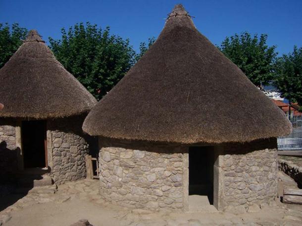 Rebuilt house in the Celtic castro of Vigo (Galicia).