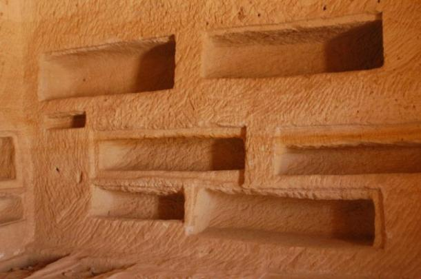 Recessed shelves of the tombs, Mada'in Saleh (CC BY SA 2.0)