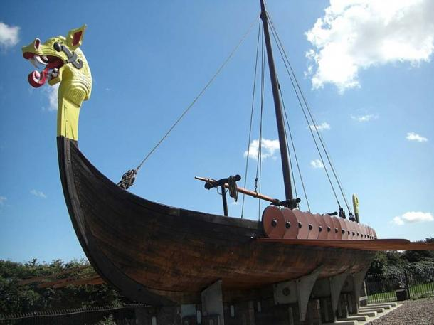 "Reconstructed Viking longboat ""Hugin"". (CC BY-SA 3.0)"