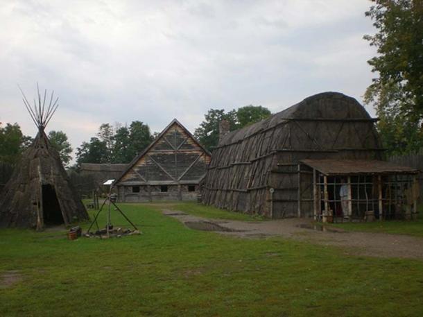 Reconstructed buildings at Sainte Marie among the Hurons. (Pjposullivan/CC BY SA 4.0)