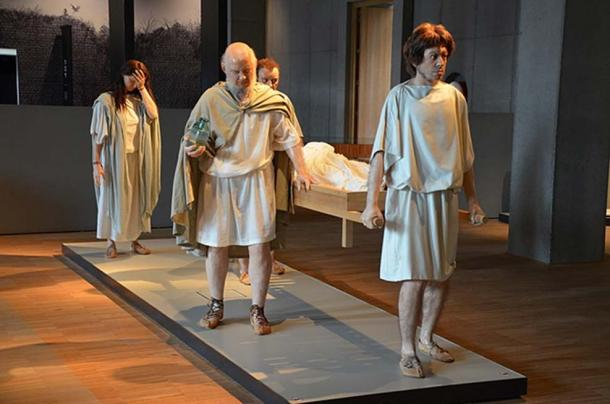 Reconstruction of a Roman funeral. Collection of Gallo-Romeins Museum, Tongeren, Belgium. (Carole Raddato/CC BY SA 2.0)